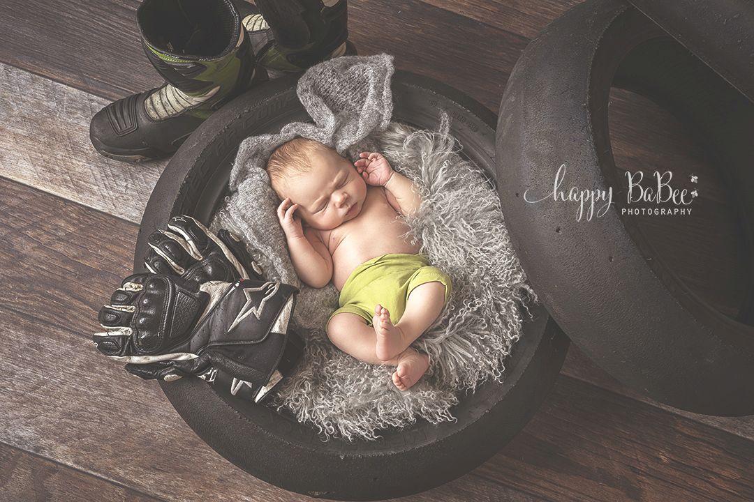 Babyfotograf, Babyfotografie, Babyfotoshooting, Motorrad, Neugeborenenshooting, Fotostudio Erfurt, Weimar, Gotha, Apolda